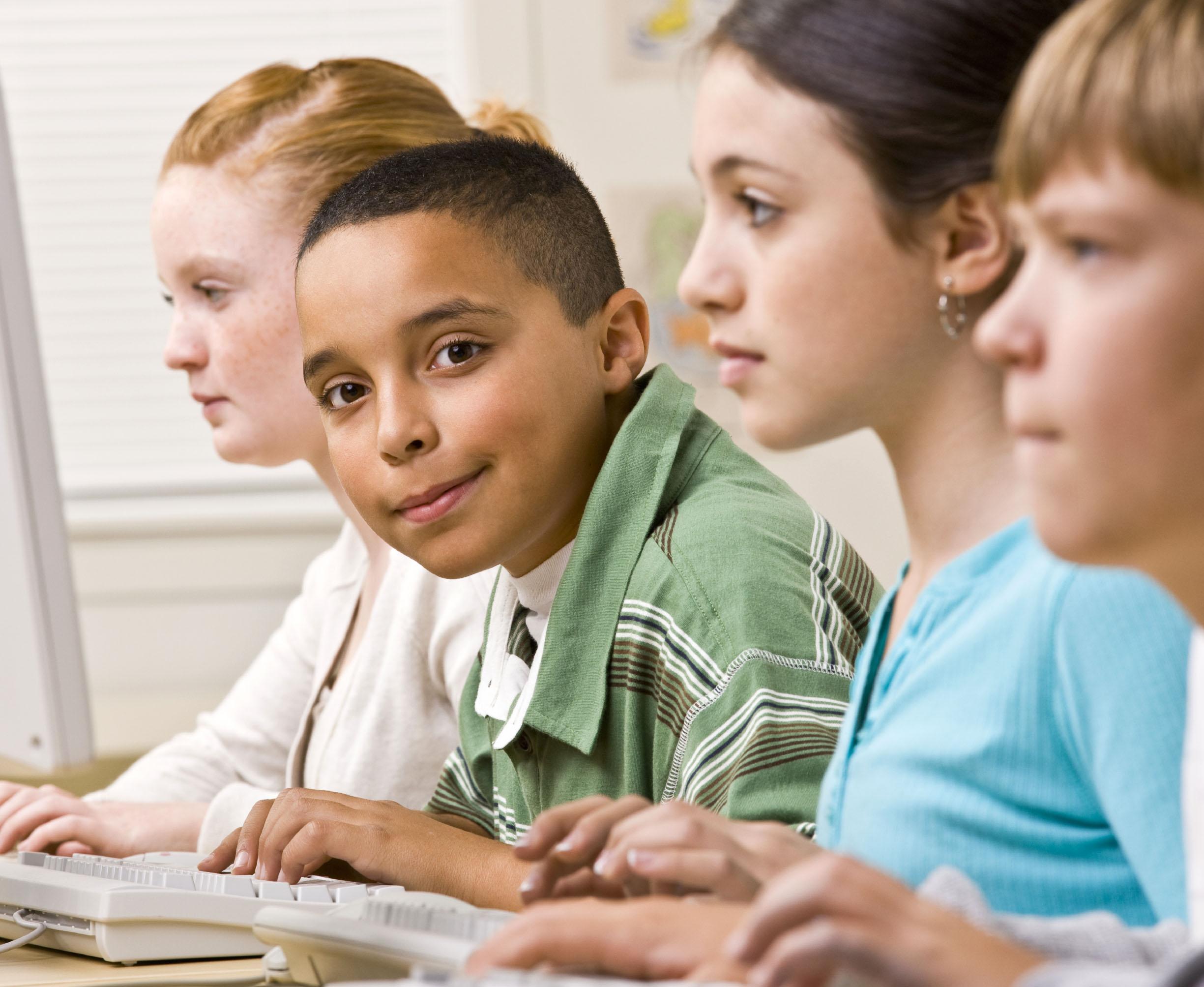 Tecnologia para promover qualidade e equidade na Educação Básica