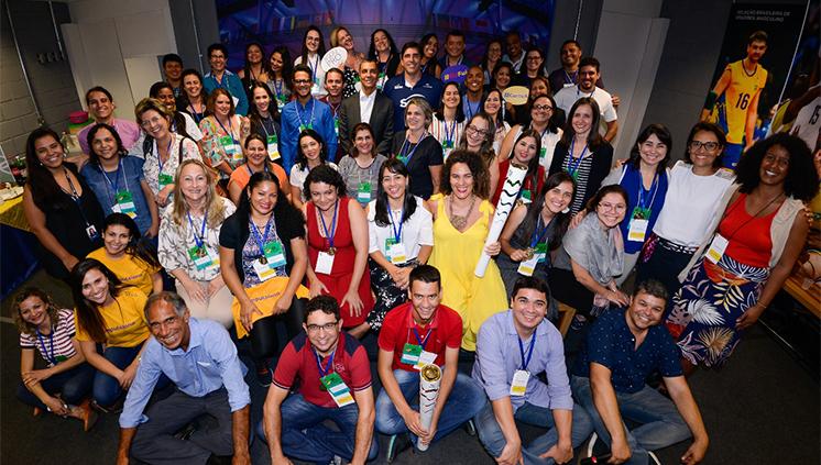 Vencedores do Prêmio Professores do Brasil recebem seus prêmios