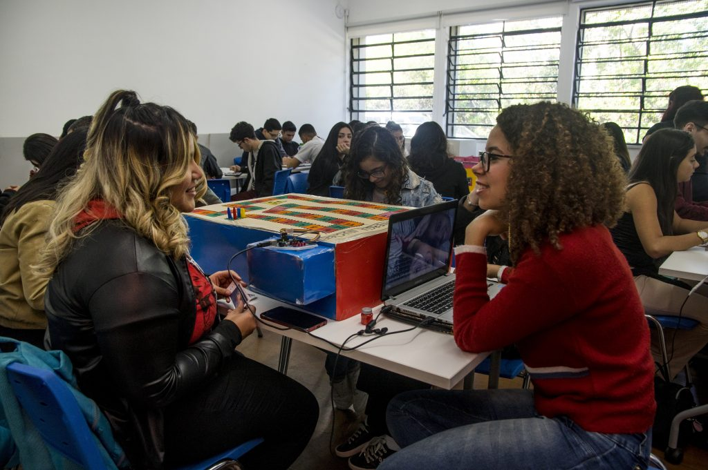 Webinar debate o apoio da cultura digital na prática docente durante a pandemia