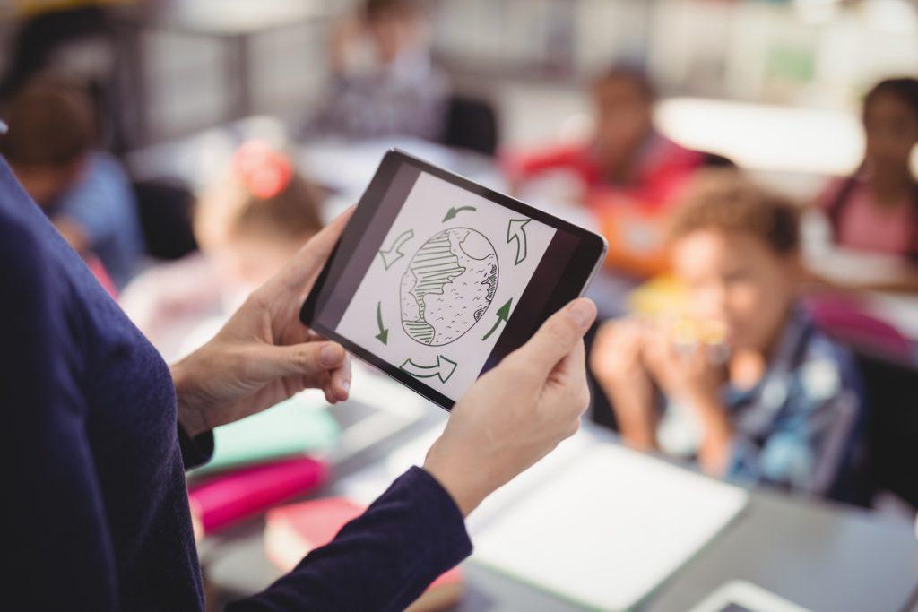 Professor, avalie já suas competências digitais para apoiar a aprendizagem remota