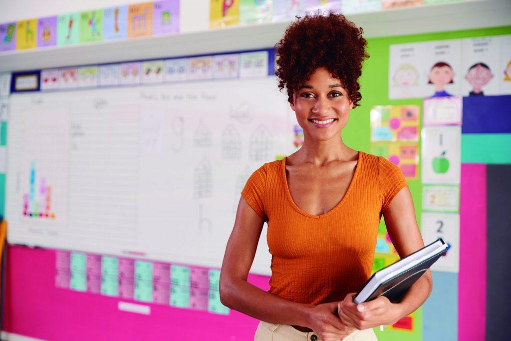 Publicação traz diretrizes e orientações para o desenvolvimento de competências digitais na formação inicial docente